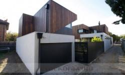 ozgun-mimarisiyle-tam-bir-aile-evi-1